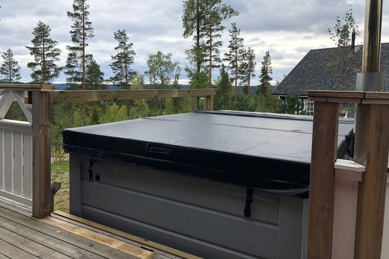 lumitahti_hot_tub_1